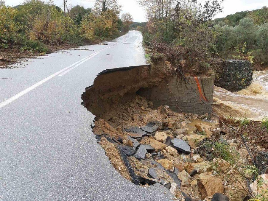 Κλειστός ο δρόμος Πολυγύρου – Ιερισσού λόγω των καταστροφών που προκάλεσε η κακοκαιρία