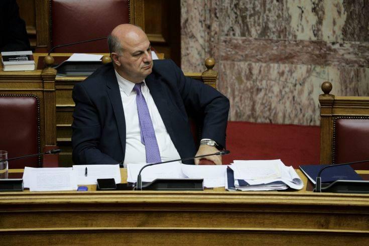 Τσιάρας: Με τις τροποποιήσεις αποκαθιστούμε το κύρος του πολιτικού κόσμου