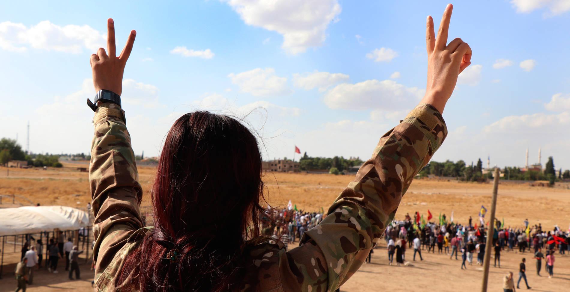 Η κραυγή μίας Κούρδισσας που ζει στην Ελλάδα: Απέναντί μας είχαμε έναν δαίμονα