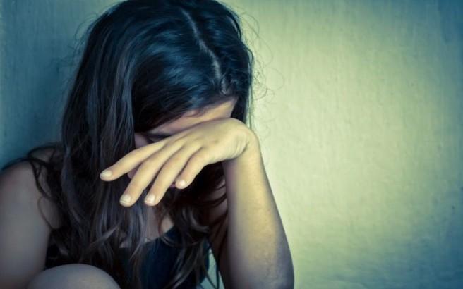 Σοκ: 10χρονη έμεινε έγκυος από τον 15χρονο αδελφό της που την βίασε