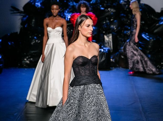 MI-RŌ Couture Fall 2019: Η συλλογή που επαναπροσδιορίζει τη γυναικεία θηλυκότητα μέσα από ανδρόγυνου ύφους αναφορές