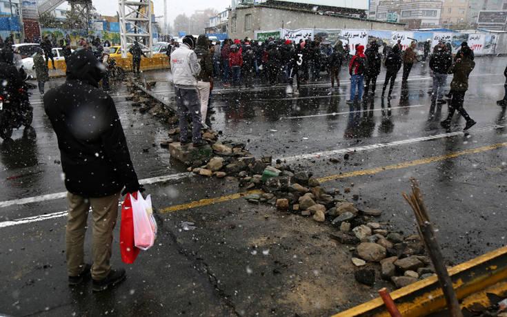 «Αποφασιστική» δράση από τους Φρουρούς της Επανάστασης αν συνεχιστεί η αναταραχή