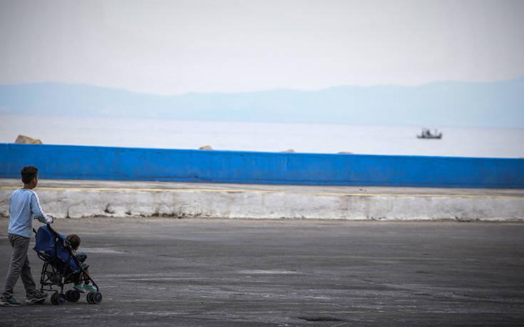 Λέσβος: Φωτιά στη δομή προσφύγων Καρά Τεπέ
