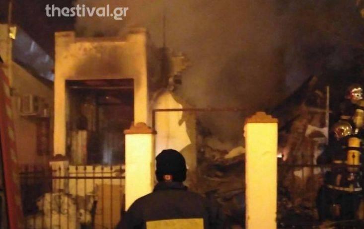Θεσσαλονίκη: Φωτιά σε εγκαταλελειμμένη οικία στις Συκιές