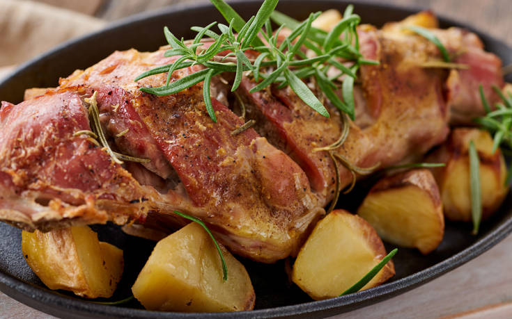 Αρνάκι με πατάτες στο φούρνο