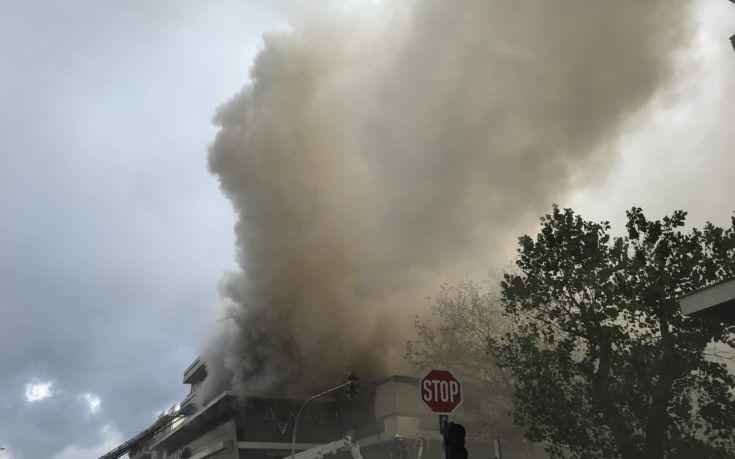 Φωτιά τώρα στο πολυκατάστημα «Δαναός» επί της Λεωφόρου Μεσογείων