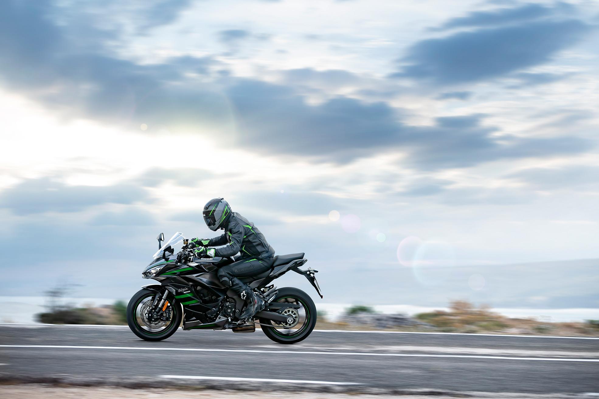 2020 Kawasaki Ninja 1000SX – Η Καλύτερη των Δύο Κόσμων