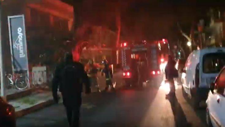 Ρόδος: Φωτιά σε αποθήκη πολυκατοικίας