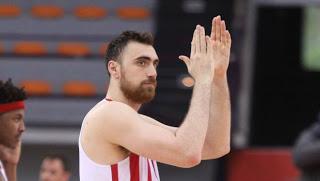 """Ο Ολυμπιακός θέλει να """"δέσει"""" τον Μιλουτίνοφ"""