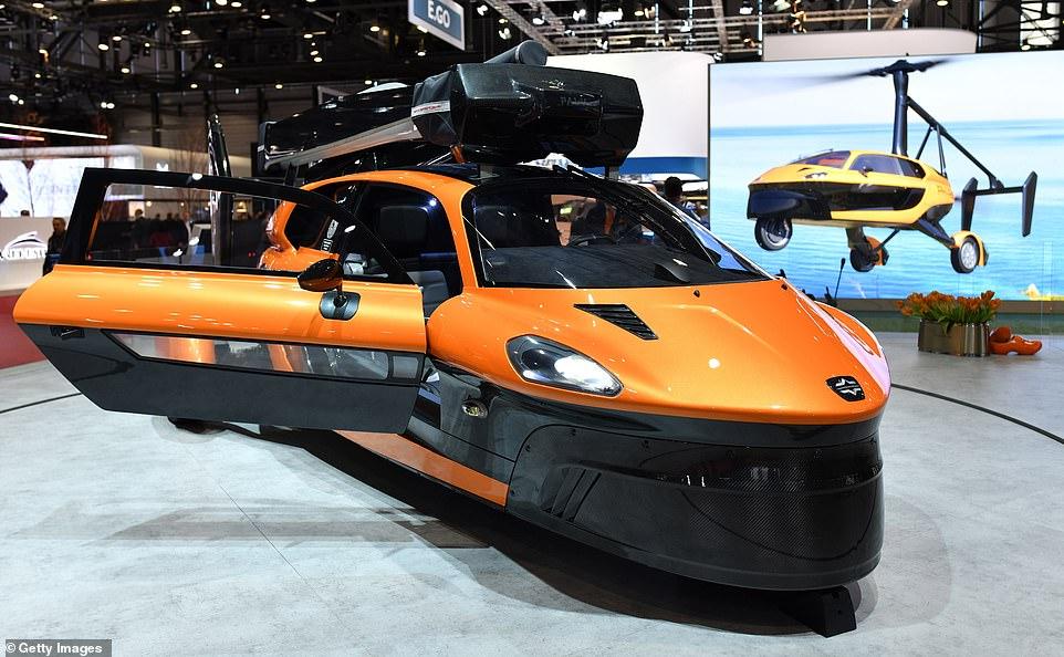 Προς κυκλοφορία το πρώτο ιπτάμενο αυτοκίνητο – Κοστίζει 599.000 δολάρια [βίντεο]