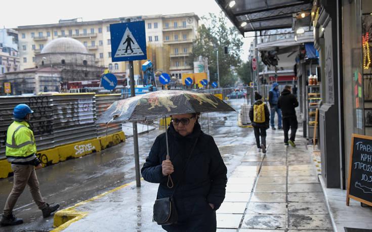 Κακοκαιρία Διδώ: Κλειστοί δρόμοι στη Χαλκιδική – Αντιολισθητικές αλυσίδες στην Ημαθία