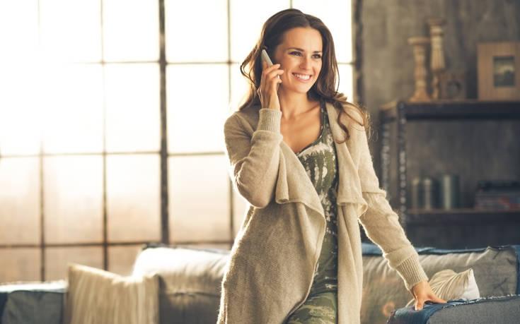 Γιατί περπατάμε ασυναίσθητα όταν μιλάμε στο τηλέφωνο;