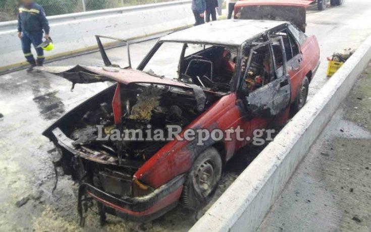 Αυτοκίνητο έπιασε φωτιά λίγο πριν τα διόδια της Τραγάνας