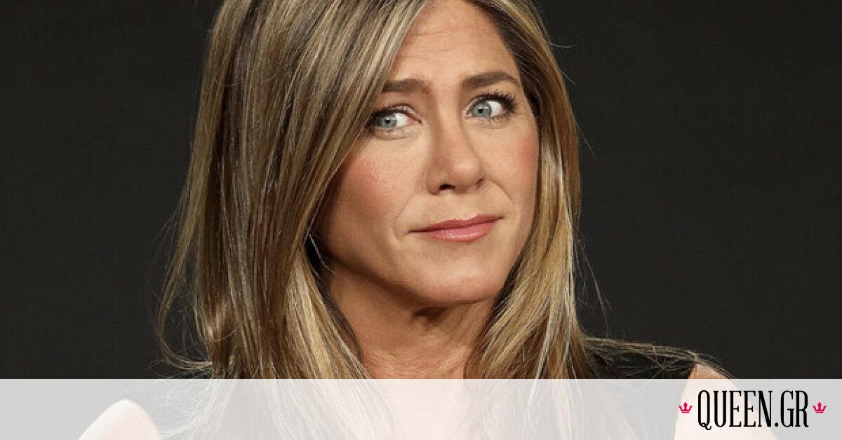 Mη σε ξεγελάει το λευκό φόρεμα που έβαλε η Aniston στα SAG… άλλο είναι το αγαπημένο της χρώμα!