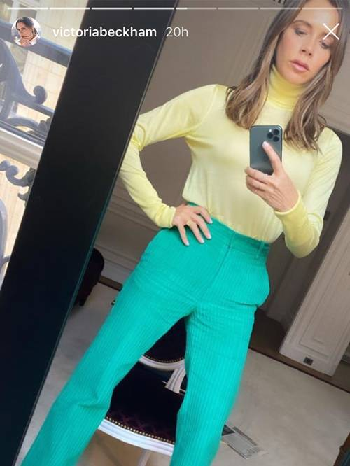 H Victoria Beckham μας κάνει να ξανασκεφτούμε αυτόν τον, κάπως παρωχημένο, χρωματικό συνδυασμό