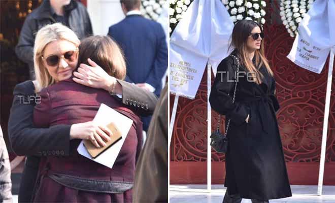 Χριστίνα Λυκιαρδοπούλου: Θλίψη στην κηδεία της δημοσιογράφου – Αυτή την ώρα το τελευταίο αντίο