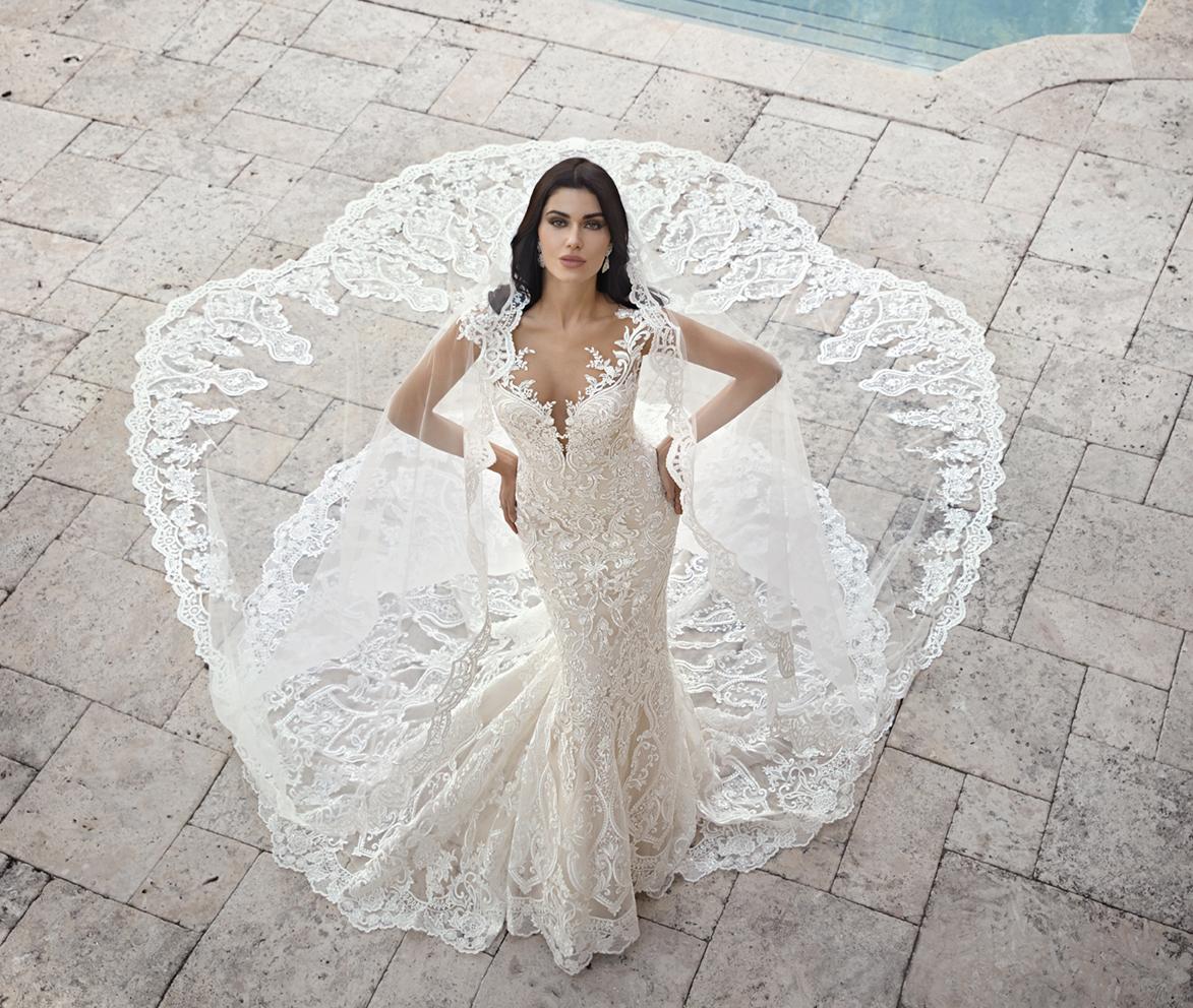 Ma Che Bella! H Iωάννα Μπέλλα φοράει τη νέα συλλογή νυφικών Demetrios