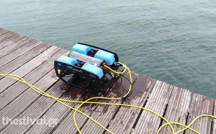 «Κυνήγι» βυθισμένων πατινιών στον Θερμαϊκό με τη συνδρομή υποβρύχιου drone