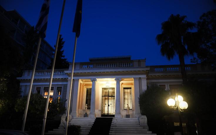 «Η κυβέρνηση είναι υπεράνω ομάδων, ο ΣΥΡΙΖΑ ψαρεύει στα θολά νερά»