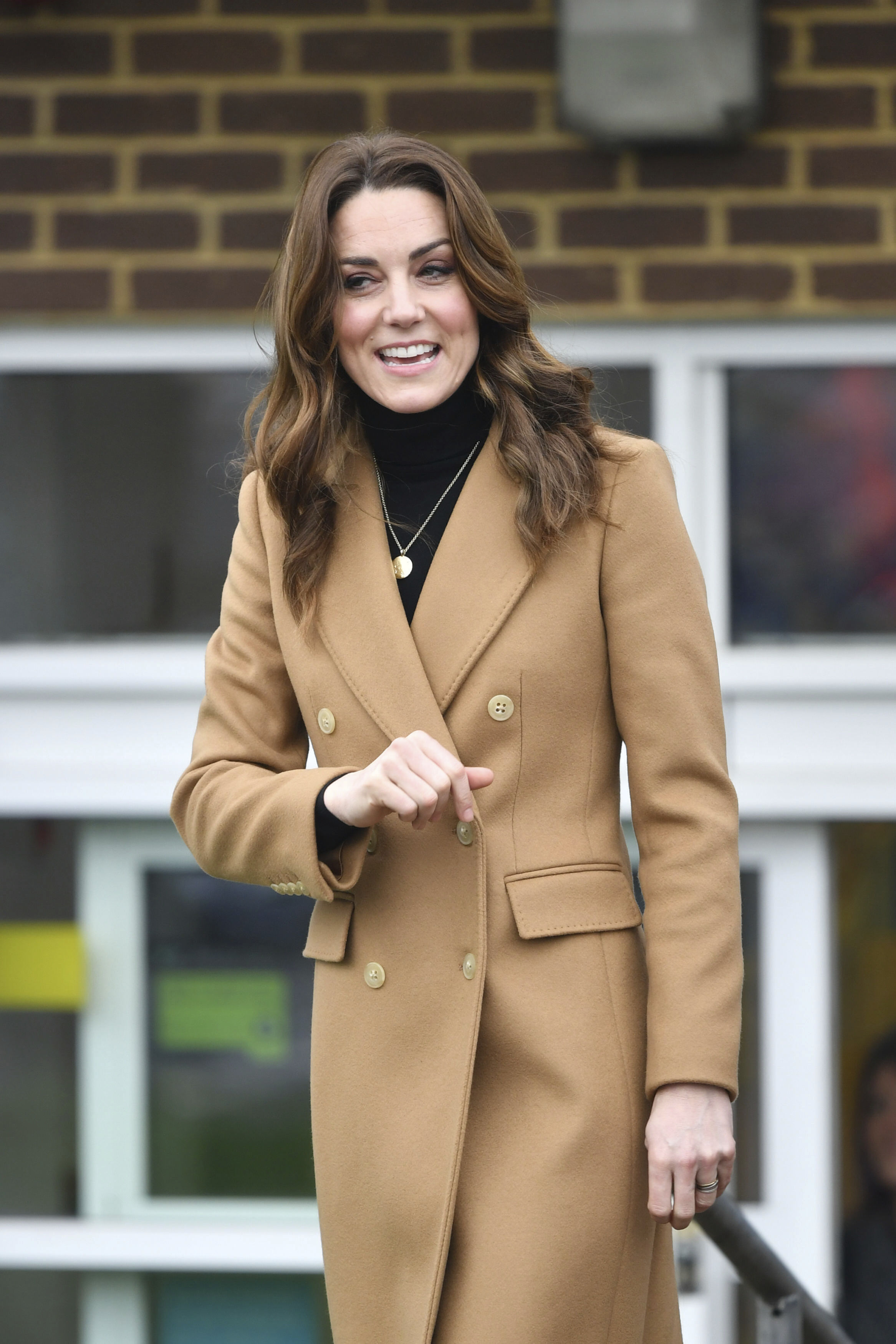 Bρήκαμε το παλτό της Kate Middleton με 40% έκπτωση
