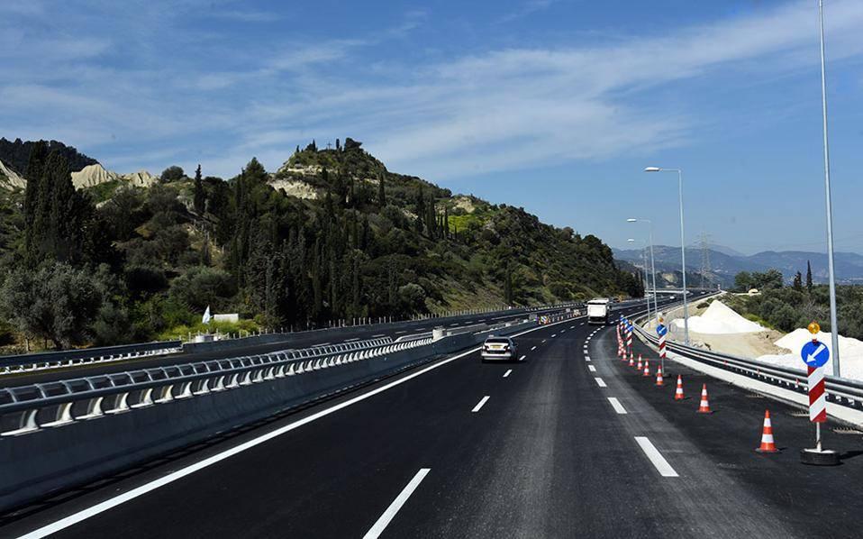 Κλειστή η εθνική οδός Πατρών-Πύργου στον κόμβο της Βιομηχανικής Περιοχής