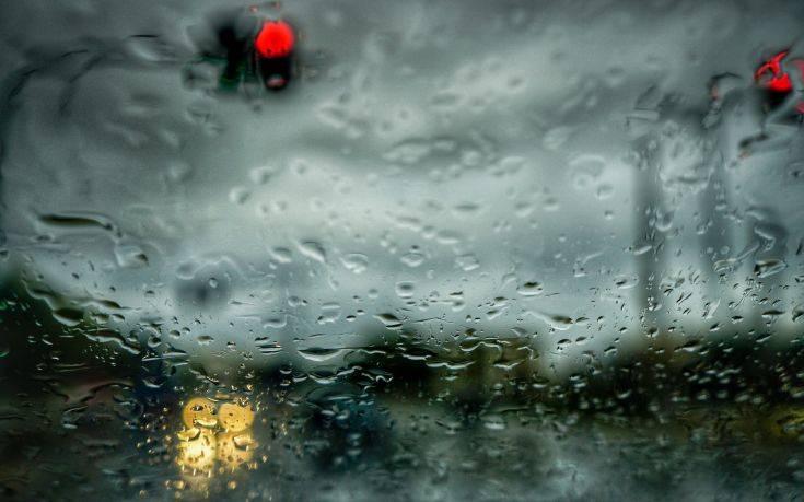 Αγριεύει ο καιρός, πού θα σημειωθούν καταιγίδες