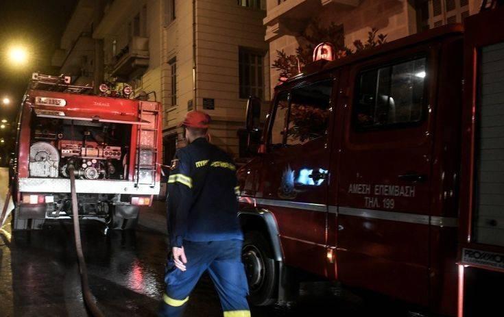 Υπό έλεγχο η φωτιά στο διαμέρισμα στο Νέο Κόσμο