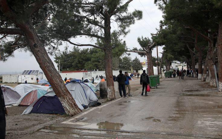 Βουλευτές ενημερώνονται για το προσφυγικό σε σύσκεψη στο υπουργείο Εσωτερικών
