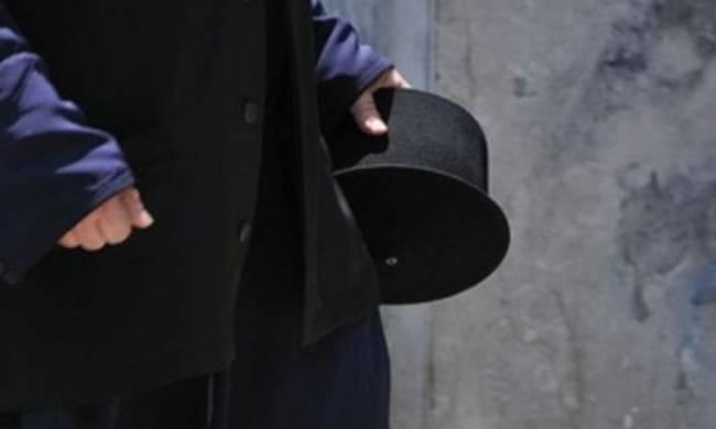 Θεσσαλονίκη: Ιερέας έταζε δουλειά σε ανέργους και τους έπαιρνε χρήματα