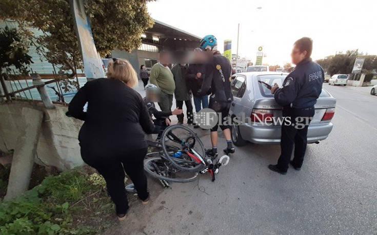 Αυτοκίνητο συγκρούστηκε με ποδηλάτες στην Κρήτη – Τουλάχιστον 3 τραυματίες