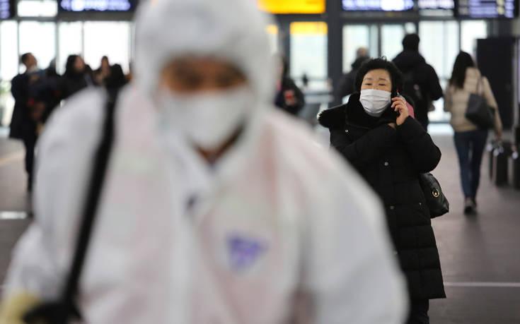Βρετανία: «Σε χαμηλά επίπεδα ο δημόσιος κίνδυνος από τον κοροναϊό»