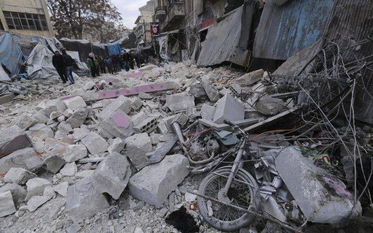 Πέντε άμαχοι σκοτώθηκαν σε ρωσική αεροπορική επιδρομή στο Χαλέπι
