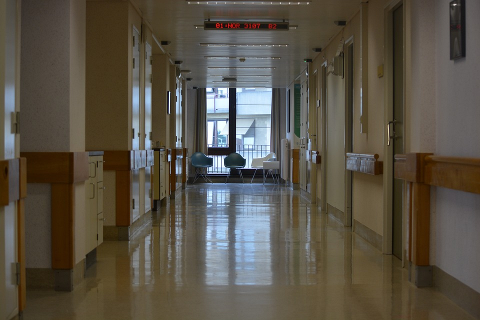 Ηράκλειο: Ανήλικος στο νοσοκομείο μετά από κατανάλωση αλκοόλ