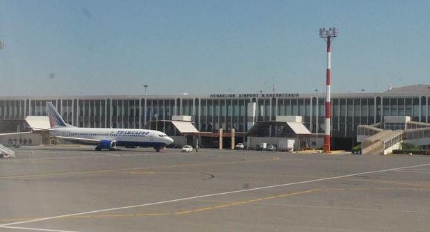 Αεροσκάφος δεν κατάφερε να προσγειωθεί στο Ηράκλειο λόγω των ισχυρών ανέμων