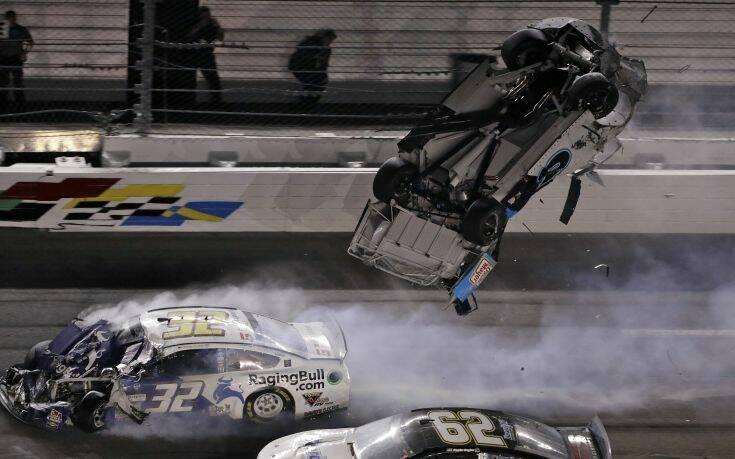 Φοβερό ατύχημα στην Daytona 500 – Ευτυχώς ο οδηγός βγήκε ζωντανός –Video