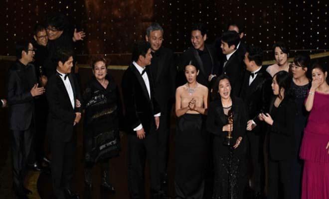 «Παράσιτα»: Πώς μια ταινία από τη Ν. Κορέα έγραψε ιστορία στα Οσκαρ 2020