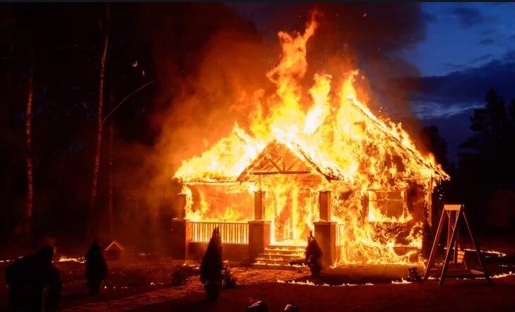 Πυροσβέστες ξυπνάνε τύπο που καιγόταν το σπίτι του κι αυτός είπε «θα σηκωθώ σε λίγο»