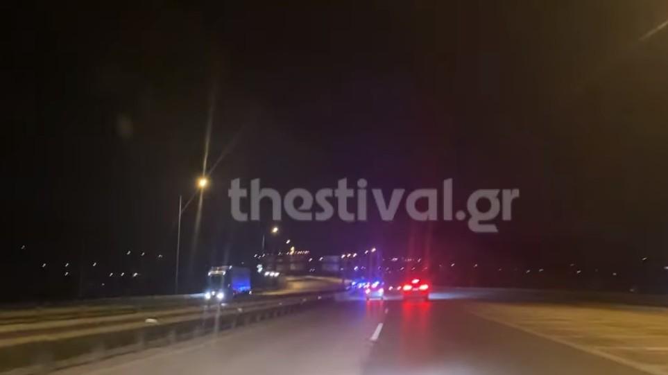 Θεσσαλονίκη: Ιρανός οδηγός μετέφερε 15 μετανάστες με ΙΧ – Κινηματογραφική καταδίωξη 230 χλμ [βίντεο]