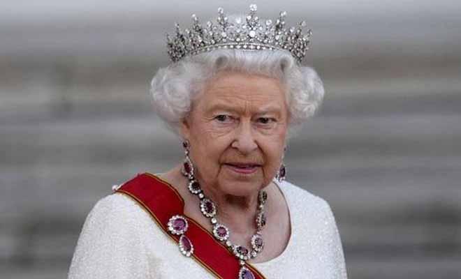Νέο διαζύγιο στο Μπάκιγχαμ – Έξαλλη η βασίλισσα Ελισάβετ [Εικόνα]