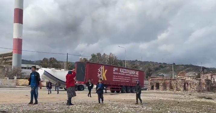 Επεισόδια στην πορεία των αιτούντων άσυλο στη Λέσβο