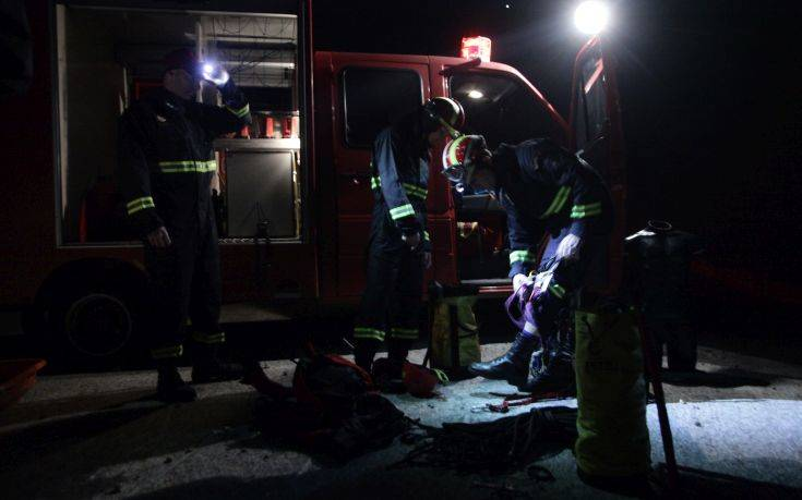 Ολονύχτια επιχείρηση της Πυροσβεστικής για τη διάσωση περιπατητή στον Παρνασσό