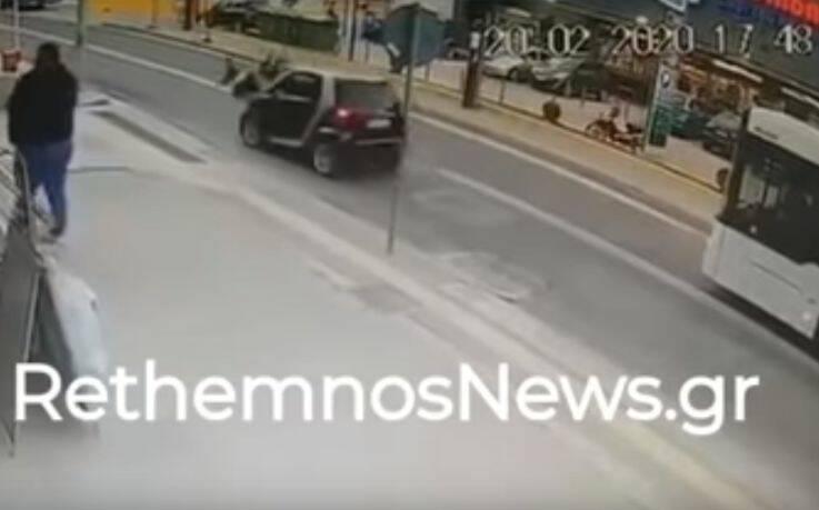Αυτοκίνητο παρέσυρε μητέρα και παιδί στο Ρέθυμνο