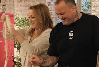 """Η Ρένια Λουιζίδου μπαίνει στην κουζίνα του «Food n"""" Friends» (trailer)"""