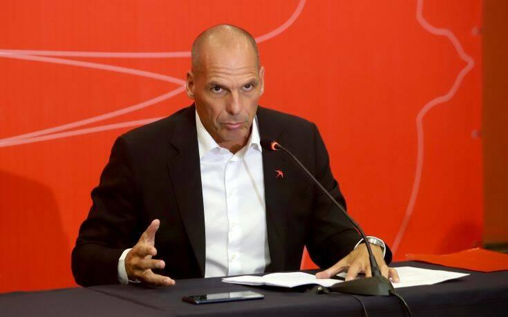 Εναλλακτικές λύσεις για τα «κόκκινα» δάνεια θα προτείνει ο Βαρουφάκης