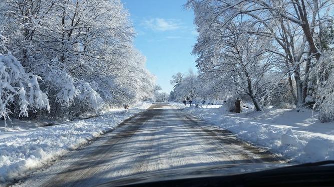 Ραγδαία πτώση της θερμοκρασίας – Χιόνια και στην Αττική