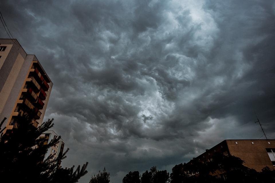 Ραγδαία επιδείνωση του καιρού με βροχές, καταιγίδες και μποφόρ