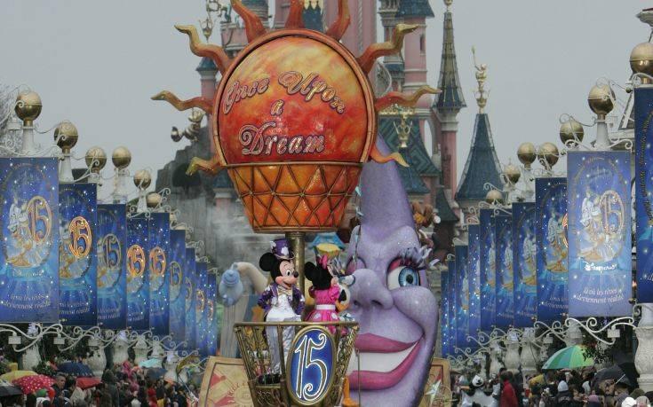 Κορονοϊός: Λουκέτο στα θεματικά πάρκα της βάζει η Disney