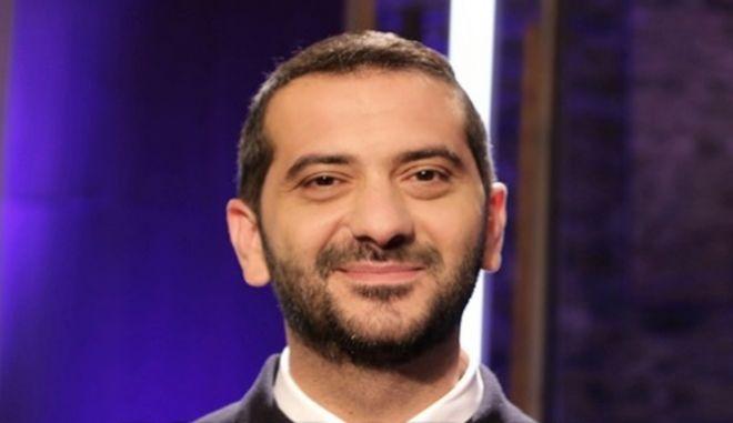 Λεωνίδας Κουτσόπουλος: «Πανικός δικαιολογείται μόνο αν η 'καραντίνα' σε βρίσκει σπίτι με την πεθερά σου»
