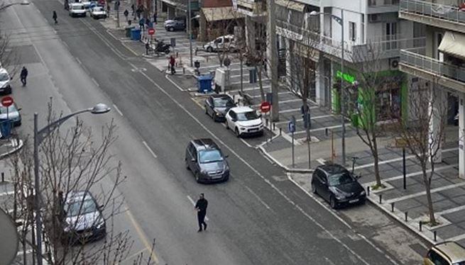 """Κορωνοϊός: """"Εικόνες Γουχάν"""" στο κέντρο της Θεσσαλονίκης – Άδειοι οι δρόμοι (εικόνες)"""