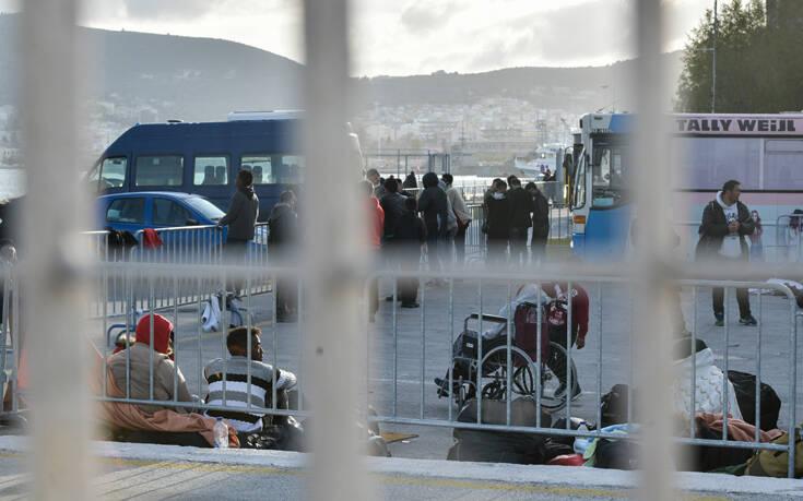 Οι αναγνωρισμένοι πρόσφυγες θα αποχωρούν από τις δομές σε 30 ημέρες